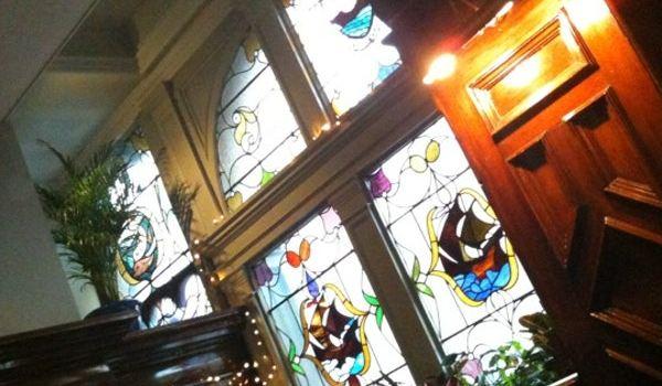Nobles Cafe Bar & Restaurant1