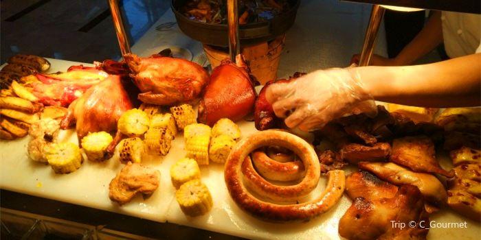 Lie Wyndham Genoa Seafood Buffet2