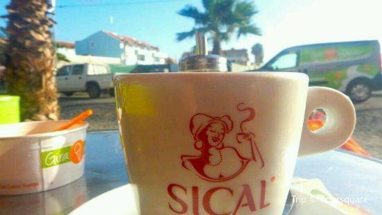 Palm beach restaurant Sal Cabo Verde Santa Maria