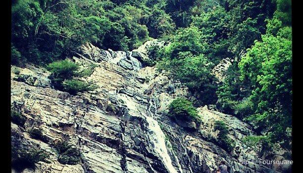 Quebrada Valencia3