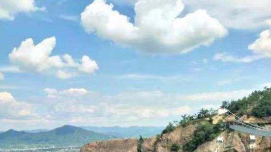 石牛寨高山地下大峽谷漂流