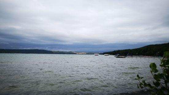 Dam Beach