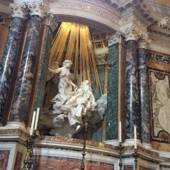 산타 마리아 델라 비토리아 성당 여행 사진