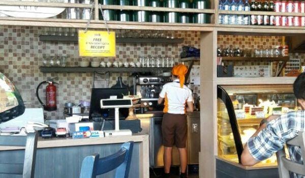 Honey & Bread Cafe1