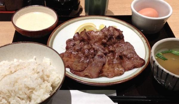 Tanya Hakata1