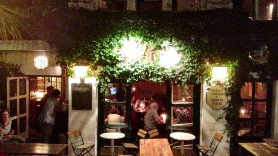 Lir Irish Bar