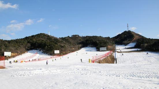 Yunfo Ski Resort