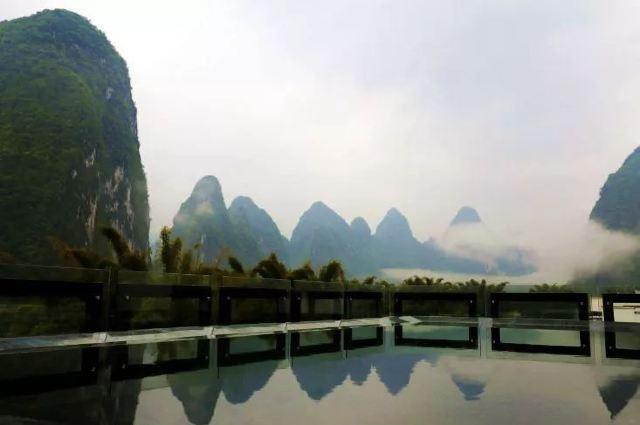 陽朔一座風景如畫的精品民宿,推窗就能看見最美的桂林山水丨花築漓畫