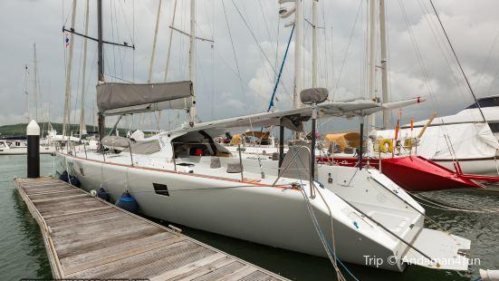 Peachland Yacht Club