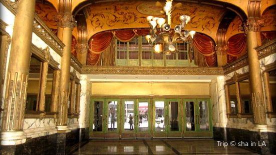 康州沃特伯里市皇宮劇院