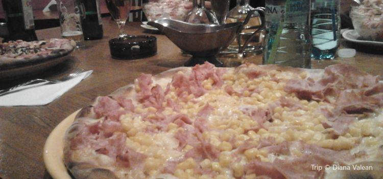 Pizzeria Sevilla2