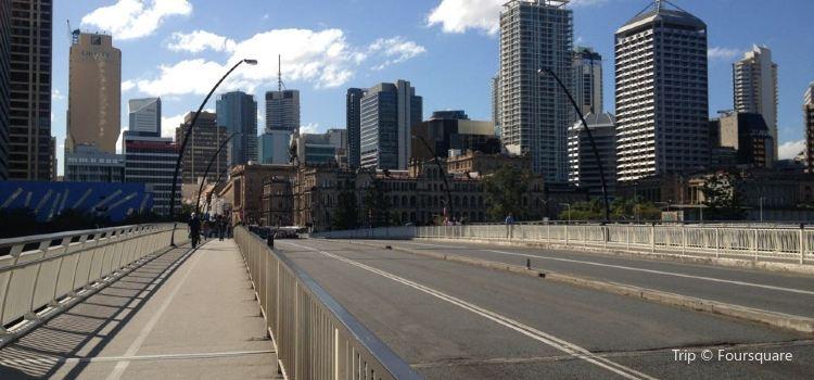 Victoria Bridge3
