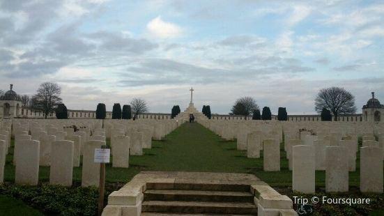 泰恩床公墓 Tyne Cot Cemetery