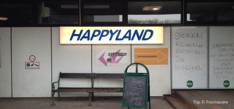 Happyland1