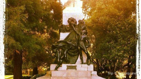 The Verdi statue