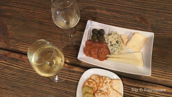 Cross Mountain Vineyards