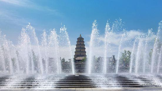 다옌탑 북광장