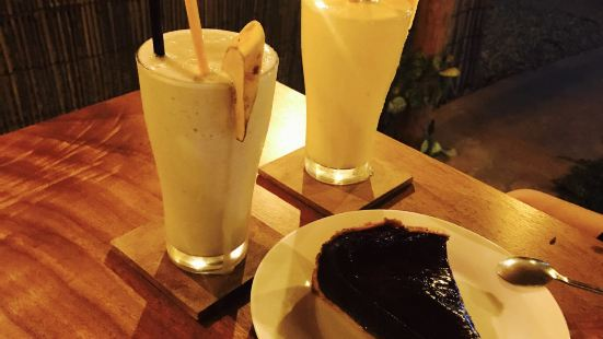 Wine Oclock - CAFE & DELI BAR (24hours)