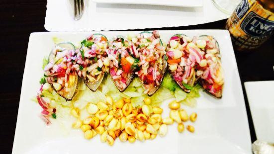 Las Totoritas Peruvian Restaurant