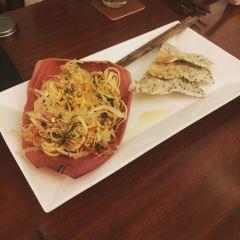 Hum Vegetarian Cafe & Restaurant User Photo
