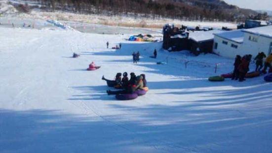 雷峰滑雪場