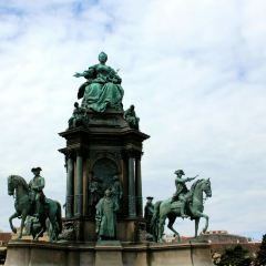Monument to Maria Theresa User Photo