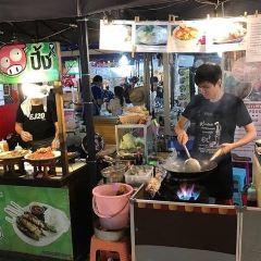 Sukhumvit Street Soi Nana Night Market User Photo