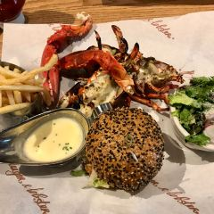 Burger & Lobster User Photo