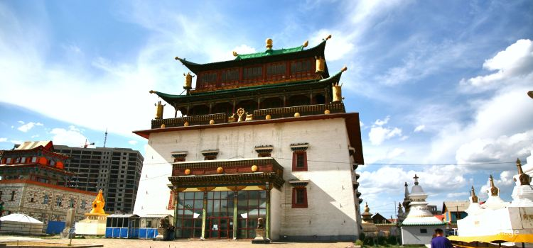 Gandantegchinlen Monastery1
