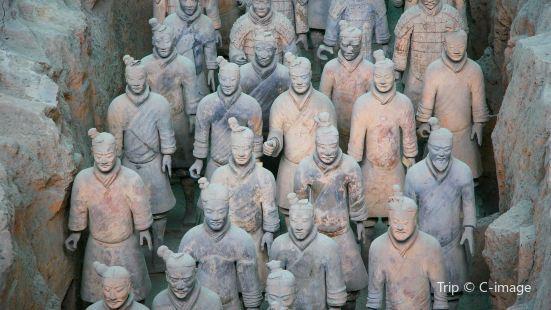 秦兵馬俑二號坑遺址大廳