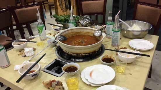 砂鍋豆湯肉丸火鍋