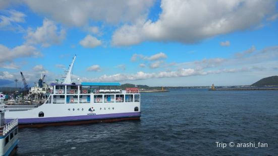 Seongsan-eup Cruise Ship