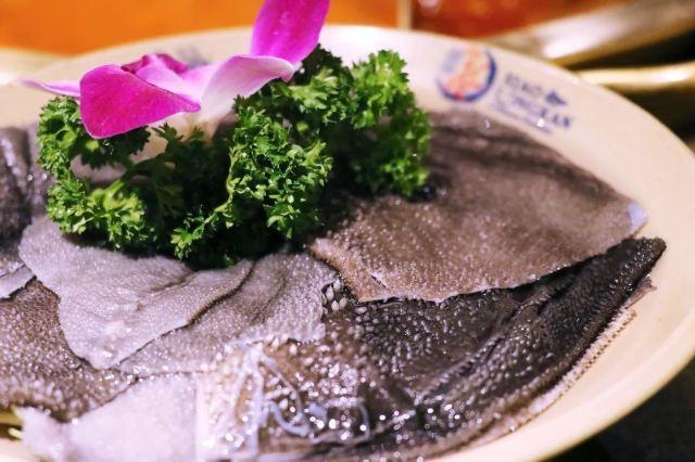 吉林市這家川鍋的菜品都是騰雲駕霧的,連鴨腸都比別家長,你要來試試嗎?