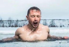 懶得不想上班了吧?學丹麥跳冰河,刺激下!