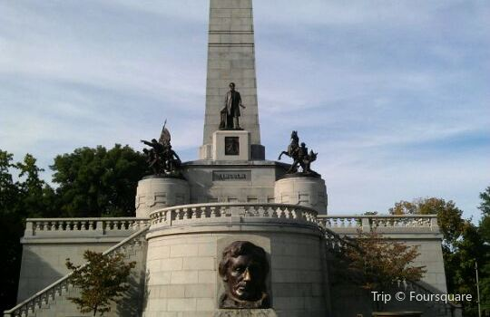 Lincoln Tomb & War Memorials2