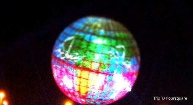 Globe Roundabout3