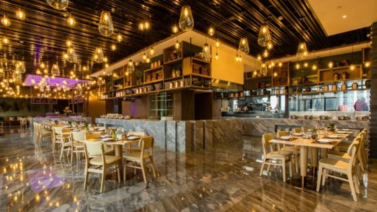 華僑城嘉途酒店屋頂陽光餐廳