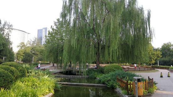 Madian Park (West Gate 3)