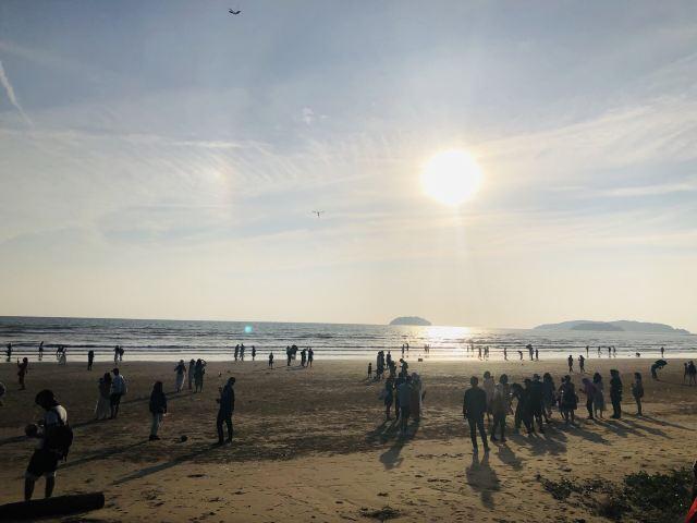 탄중아루 해변