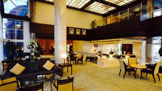 The Palm Lounge