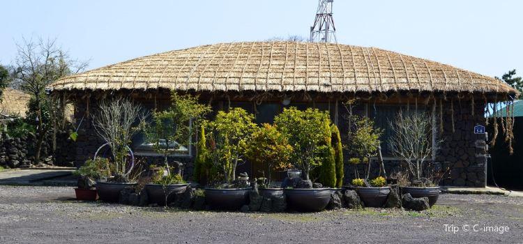 Jeju Folk Village2