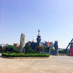Quancheng Oulebao Menghuan Shijie - European-Themed Amusement Park User Photo