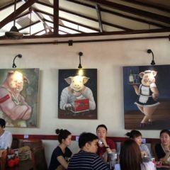 Naughty Nuri's Warung and Grill User Photo