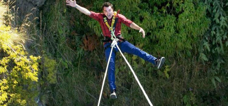 Ledge Swing1