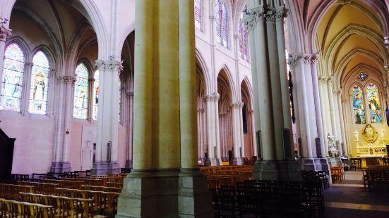 Saint-Nom-de-Jesus