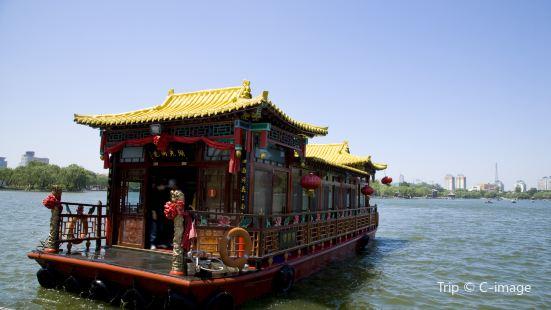 大明湖景區遊船