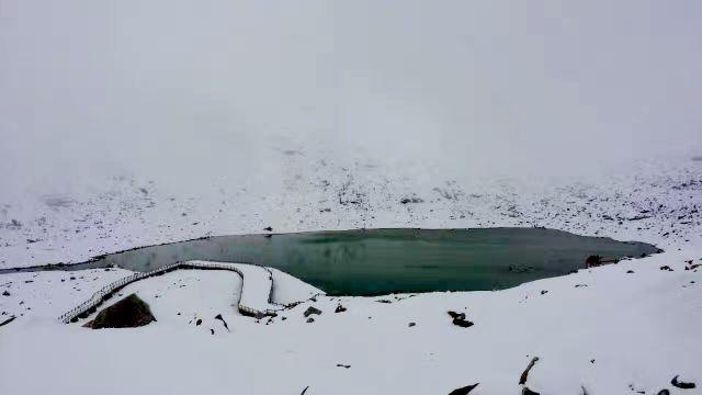 黑水達古冰山旅遊度假村