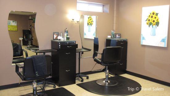 Tres Salon