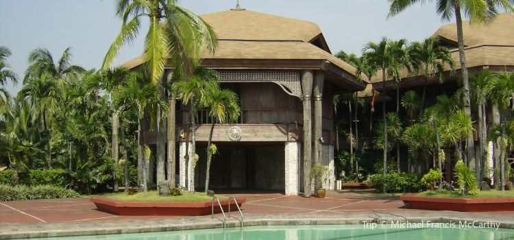Coconut Palace2