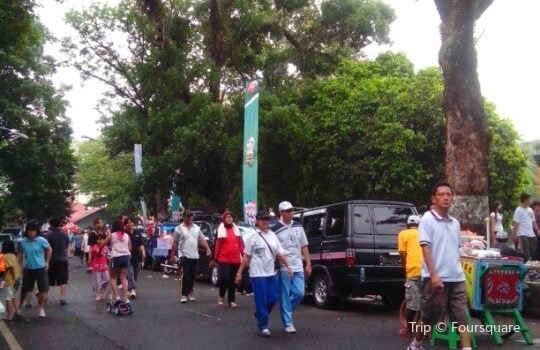 Kambang Iwak Besak Park